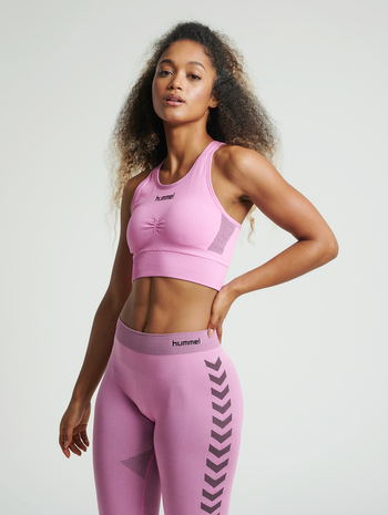 HUMMEL FIRST SEAMLESS BRA WOMEN, COTTON CANDY, model