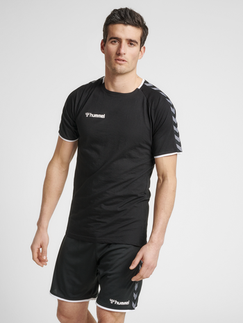 hmlAUTHENTIC TRAINING TEE, BLACK/WHITE, model