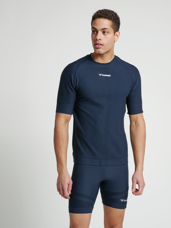 hmlCUBE SEAMLESS T-SHIRT, BLUE NIGHTS, model