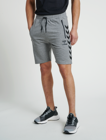 hmlRAY 2.0 SHORTS, DARK GREY MELANGE, model