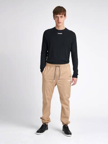 hmlSTENBERG PANTS, NOMAD, model